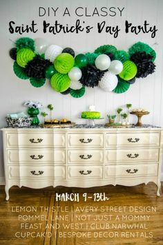 Celebrate St. Patrick's Day with these perfect Lemon Sugar Cookies with royal icing! Saint Patrick, Diy Garland, Honeycomb, Hanukkah, Will Smith, Saints, Classy, Dresser, Wreaths