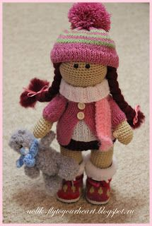 """Beautiful doll""      Wish I could make it.     Wonder if its really hard to make......   I am gonna try it some day :)"
