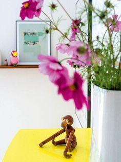 Nordisk med farver: Her er alt valgt med hjertet Decoration, Home Accessories, Tekstiler, Full House, Design, Home Decor, Amazing, Lily, Vintage Art