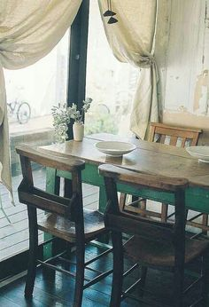 Farm Table Makeover ..love the two-toned