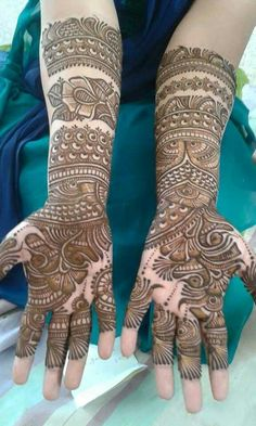 Simple Mehendi designs to kick start the ceremonial fun. If complex & elaborate henna patterns are a bit too much for you, then check out these simple Mehendi designs. Full Mehndi Designs, Indian Henna Designs, Mehndi Designs For Girls, Dulhan Mehndi Designs, Wedding Mehndi Designs, Mehndi Design Pictures, Stylish Mehndi Designs, Beautiful Mehndi Design, Mehndi Images
