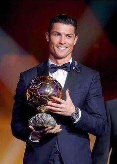 Cristiano Ronaldo Wins 2014 Ballon d'Or Award, Beats Lionel Messi, Manuel Neuer. 12.1.15