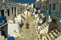 Folegandros is one of the 56 greek islands of Cyclades simplex. It can satisfy varied tastes, offering secluded sandy beaches as well as popular seaside taverns serving fresh fish right by the water. Shade from tamarisk trees, transparent water, and typical Folegandros stone can all be encountered on the island's beaches, thus giving the coast its typical features.