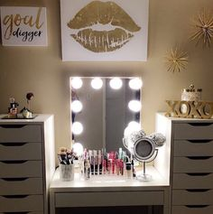 MOOD Digging this luxe gold & white setup Featured: IKEA desk and Alex drawers. Shop our sale! Link in bio. Gold Bedroom, Beauty Room, Glam Room, Home Decor, Room Inspiration, Gold Home Decor, Room Decor, Bedroom Decor, Gold Rooms
