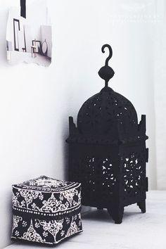 Modern Moroccan Decor The Chic Street Journal Modern Moroccan Decor, Moroccan Interiors, Moroccan Design, Moroccan Style, Moroccan Bedroom, Moroccan Pouf, Home Interior, Interior And Exterior, Interior Design