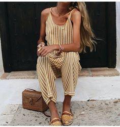 55 отметок «Нравится», 1 комментариев — @fashionstyles2you в Instagram: «Beautiful  @paulaarguellesg  For shopping link in my bio       @kalasiris   …»