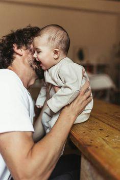 Baby Photography How - Baby Food Organization - Baby Geschenk Geburt Holz - Black Baby Chocolate - Baby Face Anime So Cute Baby, Cute Kids, Cute Babies, Cute Family, Baby Family, Family Goals, Family Life, Little Babies, Baby Kids