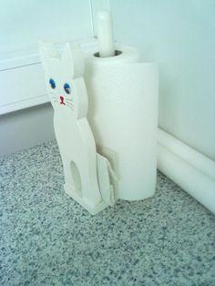 Talouspaperiteline Paper Towel Holder, Wooden Crafts, Elementary Schools, Woodworking, Tech, Teaching, Design, Earth, School