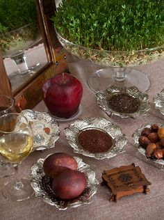 haft sinHaft-Seen (Persian: هفتسین) or the seven 'S's is a traditional table setting of Nowruz, the traditional Iranian spring celebration. The haft seen table includes seven items all starting with the letter seen in the Persian alphabet