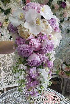 25 Best Buchete Mireasa Bujori Images Floral Wreath Flowers