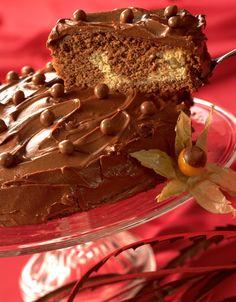 Tropisk Aroma: Her er en kake med spennende aroma av muskat, kakao og kanel… Homemade Cookies, Let Them Eat Cake, Panna Cotta, Scandinavian, Food And Drink, Snacks, Chocolate, Ethnic Recipes, Passion
