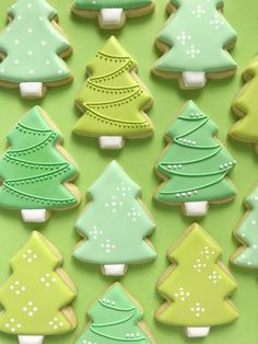 christmas cookies sugar Christmas: Christmas Tree Desserts and Christmas Tree Crafts. Nothing says Merry Christmas like delicious Christmas tree desserts and crafts! Brighten up your home or party with some fun and funky Christmas Trees. Christmas Tree Cookies, Christmas Tree Crafts, Christmas Sweets, Noel Christmas, Holiday Cookies, Christmas Baking, Christmas Parties, Green Christmas, Christmas Tree Decorations