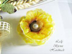 Spilla con fiore Papavero giallo fatto in di LadyBijouxHandmade