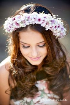 fotografia profissionais de 15 anos Book Photography, Photography Women, Debut Party, Cool Pictures, Beautiful Pictures, Book 15 Anos, Flower Crown Headband, Girl Inspiration, Creative Photos