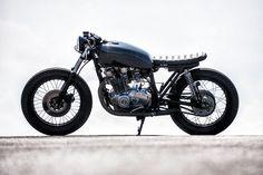 Suzuki GS 400 Cafe Racer by Svako Motorcycles Inc #motorcycles #caferacer #motos | caferacerpasion.com