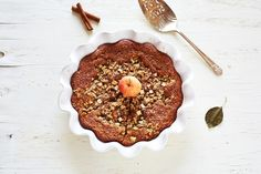 Spiced breakfast apple cake w/ oat streusel: fall, winter, rich, sweet