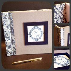 """Livro de assinaturas para casamento, capa dura em linho acetinado, lombada em Jacard, costura japonesa com acabamento em olhos, feita com fita de cetim. Guarda em tecido Jacard. Detalhe """"frame"""" em sarja acetinada azul marinho. Miolo em papel telado Diamond branco, 180g. 20 folhas."""