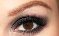 Graceful and Sexy Smokey Eyeshadow For A Date Night | AmazingMakeups.com