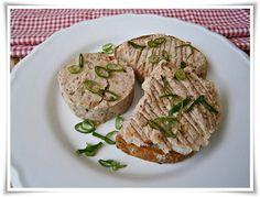 Pomazánka ze sardinek - Naše Dobroty na každý den Bucky, Salmon Burgers, Pesto, Pork, Chicken, Ethnic Recipes, Kale Stir Fry, Pork Chops, Cubs