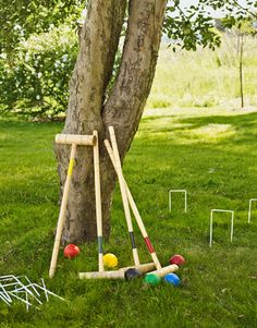 There's no better solution for early arrivals and the post-lunch slump than a collection of no-skills-required lawn games. Set out a basket of Frisbees, Wiffle balls, and badminton rackets — along with a croquet set — all within view of the picnic table. Summer Bbq, Summer Parties, Summer Time, Picnic Parties, Summer Picnic, Picnic Time, Beach Picnic, Theme Parties, Summer Heat