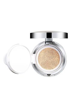 Skin care in a compact that provides powerful protection from both UVA and UVB rays while providing skin with deep hydration and complete coverage. It's anti-inflammatory properties prevent skin irritation, reduces, redness, and brightens skin tone. Definitely recommended!