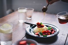 Baked sweet ricotta with fruits and honey