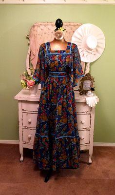 70s Long Floral Dress, Boho Chic Dress, Vintage Hippie Dress, Garden Party Dress, 1970s Vintage Dress, Bohemian Dress, Gorgeous! S/M