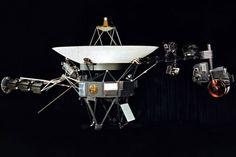 Recreación artística de la sonda Voyager 1 | La sonda 'Voyager 1' abandona el Sistema Solar | Fue lanzada al espacio en 1977,  el pasado 25 de agosto de 2012, pasa a la historia de la exploración espacial como el primer momento en el que un objeto proveniente de la Tierra cruzó los confines de nuestro Sistema Solar y llegó donde nada creado por el hombre había llegado nunca.