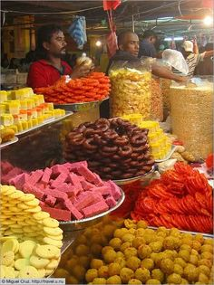 Diwali Sweets... One day I'm gonna try it...try it all ^_^
