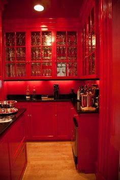 RED Kitchen! This is so scary. I would feel like I was walking into hell every time I went in there.