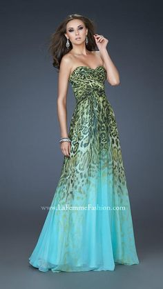 We Know you Love La Femme Dresses as Much as We Do! Find the Perfect La Femme Prom or Homecoming Dress of Your Dreams Today at Peaches Boutique Ombre Prom Dresses, Cute Prom Dresses, Dance Dresses, Homecoming Dresses, Ugly Dresses, Grad Dresses, Maxi Dresses, Pretty Dresses, Formal Gowns