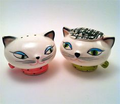 Vintage Holt Howard 1958 Cozy Kitten Cat Salt and Pepper Shaker /  Collectible