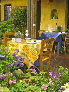 Dining al fresco in Carmel