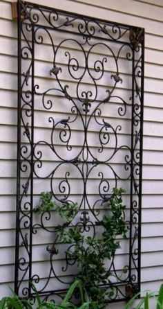 Outdoor wall art is one the factor that is most often neglected or forgotten in most homes. In order to make your house look exceptionally good and very artistic, opting for a best outdoors decorat… Wrought Iron Trellis, Wrought Iron Garden Gates, Wrought Iron Wall Decor, Metal Trellis, Outdoor Wall Art, Outdoor Walls, Wall Trellis, Trellis Design, Beautiful