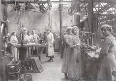 J A Prestwich Factory - Tottenham - Munitions Workers 1914