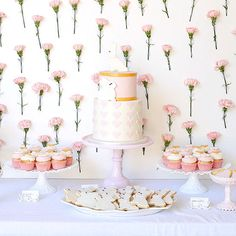 Pamper mom-to-be and all of the party guests with these Instagram-worthy baby shower menus and themes. (via @sarahecrowder)