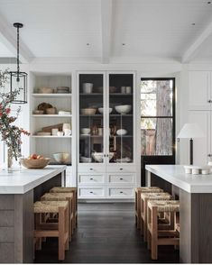 "Studio McGee on Instagram: ""This kitchen by @m.elle.design made me stop scrolling and it's no wonder — it's so freaking beautiful. 🙌🏼 📷: @shadedeggesphotography"""