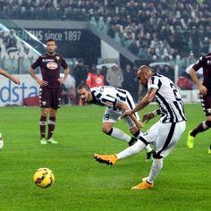 Arturo #Vidal trasforma il calcio di rigore #JuventusTorino 2-1
