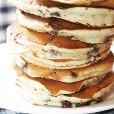 These comforting blueberry pancakes have an extra touch of texture with the addition of toasted pecans, which lend a satisfying nuttiness to your breakfast. Pecan Pancakes, Blueberry Pancakes, Pancakes And Waffles, Buttermilk Pancakes, What's For Breakfast, Breakfast Pancakes, Brunch Recipes, Breakfast Recipes, Pancake Recipes