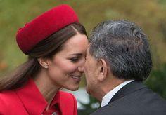 Pin for Later: Kate und William bewältigen zum Reiseauftakt heikle Traditionen
