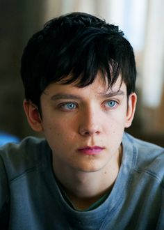 "lovezucks: ""Asa Butterfield in Ten Thousand Saints "" Oh man, his eyes are so beautiful. Beautiful Boys, Pretty Boys, Cute Boys, Scorpius Rose, Asa Buterfield, Ender's Game, Home For Peculiar Children, Just Jared Jr, Young Actors"