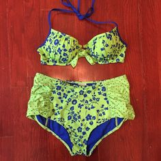 High waisted A&F Bikini NWOT. Just tried on at home. Push up top and high waisted bottoms. The scrunched up sides make it super flattering. Abercrombie & Fitch Swim Bikinis