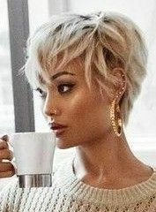 hair_beauty- Pixie haircut is not always the most feminine looks for some women but they're totally empowering and cool. Cute Hairstyles For Short Hair, Pixie Hairstyles, Pixie Haircut, Summer Hairstyles, Short Hair Cuts, Curly Hair Styles, Natural Hair Styles, Haircut Short, Fashion Hairstyles