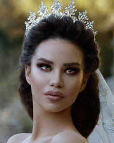 Wedding makeup look but for black woman Wedding Veils, Boho Wedding Dress, Wedding Attire, Bridal Dresses, Bridal Makeup, Wedding Makeup, Bridal Hair, Black Wedding Hairstyles, Princess Aesthetic