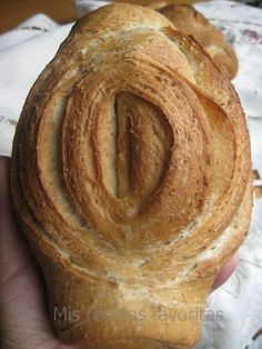 Pan de hojaldre - Bread Pastry Puff - Is a strange-looking bread loved at first sight, it seems difficult to get that form so distinctive, but nothing is further from the truth. Its soft crumb and crispy thin.