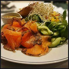 wild herbs salad wit