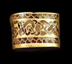 Garnet - Wikipedia c. century AD, Anglo-Saxon sword hilt fitting – gold with gemstone inlay of garnet cloisonné. From the Staffordshire Hoard, found in and not fully cleaned. Medieval Jewelry, Viking Jewelry, Ancient Jewelry, Medieval Art, Antique Jewelry, Granada, Anglo Saxon History, British History, Charms