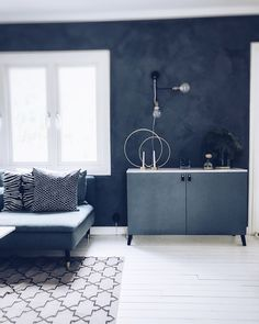 Pretty Movement - The place to be to check out inspiring IKEA Hacks. - Prettypegs - Bestå Personalization - - Pretty Movement - The place to be to check out inspiring IKEA Hacks. Home Bedroom, Bedroom Wall, Bedroom Decor, Bedroom Colors, Shabby Chic Bedrooms, Trendy Bedroom, Ikea Hacks, Home Hacks, Room Set