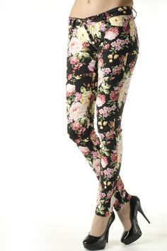 #pants #flowers Spring Trends, Flowers, Pants, Fashion, Trouser Pants, Moda, Fashion Styles, Women's Pants, Women Pants