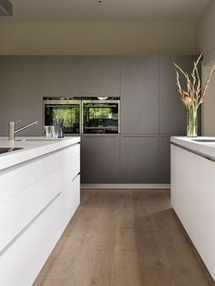 Bulthaup Kitchen Design Ideas, Pictures, Remodel and Decor Contemporary Kitchen Design, White Contemporary Kitchen, Kitchen Inspirations, Open Plan Kitchen Living Room, Home Decor Kitchen, House, Kitchen Styling, Contemporary Kitchen Cabinets, Modern Kitchen Design